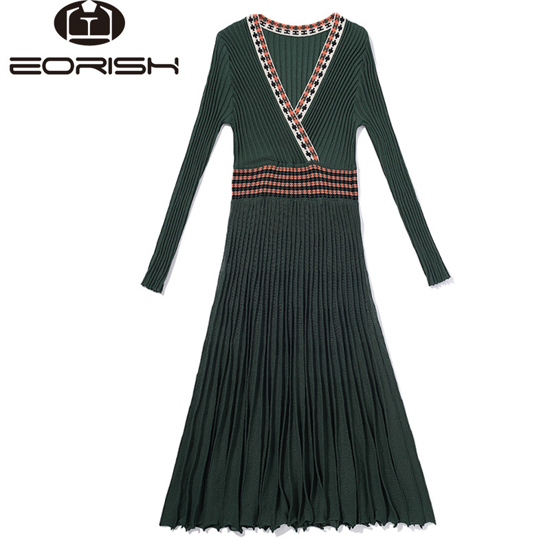 2017 New Autumn Pleaded Knitted Long Dress Long Sleeve Mid-Calf Party Dress V-neck National Style Big Size